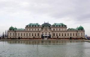 ベルベデーレ宮殿 遠景