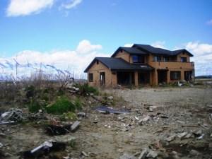 残されたままの家