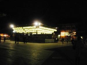 八坂神社の舞殿