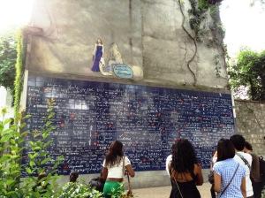 ジュテームの壁。